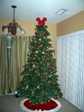 Mickey Mouse Christmas Tree Decorating Ideas.Disney Tree Toppers Ideas On Foter