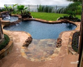 Pool with hot tub 5