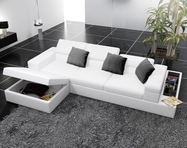 Charmant Sectional With Storage