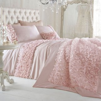 Feminine bedding sets 1