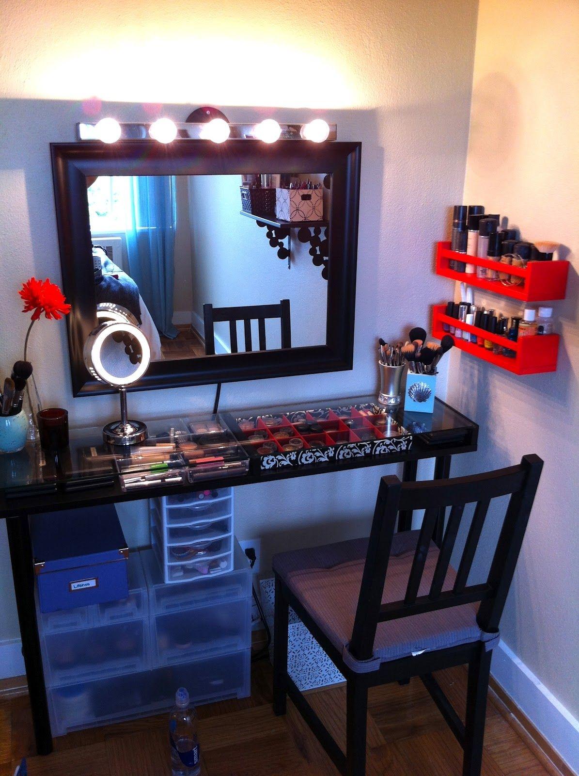 Genial Makeup Station For Bedroom
