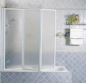 Bifold tub doors