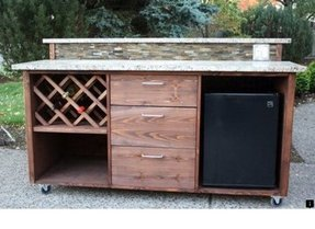 Portable patio bar