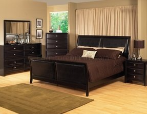 Contemporary sleigh beds