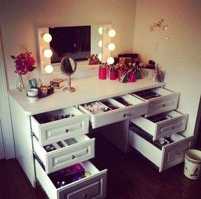 Makeup desk with lights
