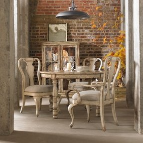 Round dining table set with leaf 4