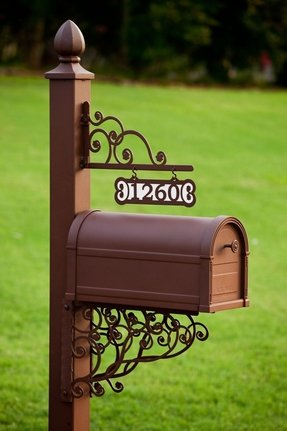 Mailbox with address plaque 23