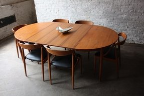 Modern Oval Dining Tables