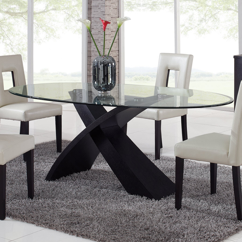 Ordinaire Glass Oval Dining Table