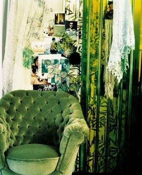 Green velvet chair 1