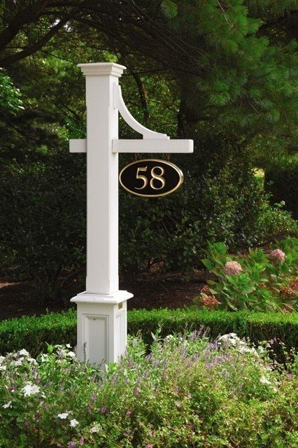 House numbers and mailboxes