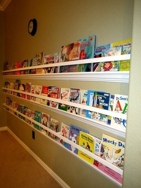 Kids wall mounted bookshelf