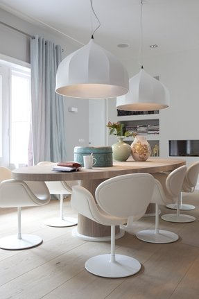 Modern oval dining tables 3