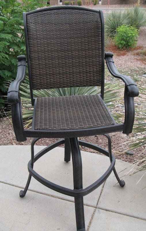 Outdoor Wicker Swivel Bar Stools 1