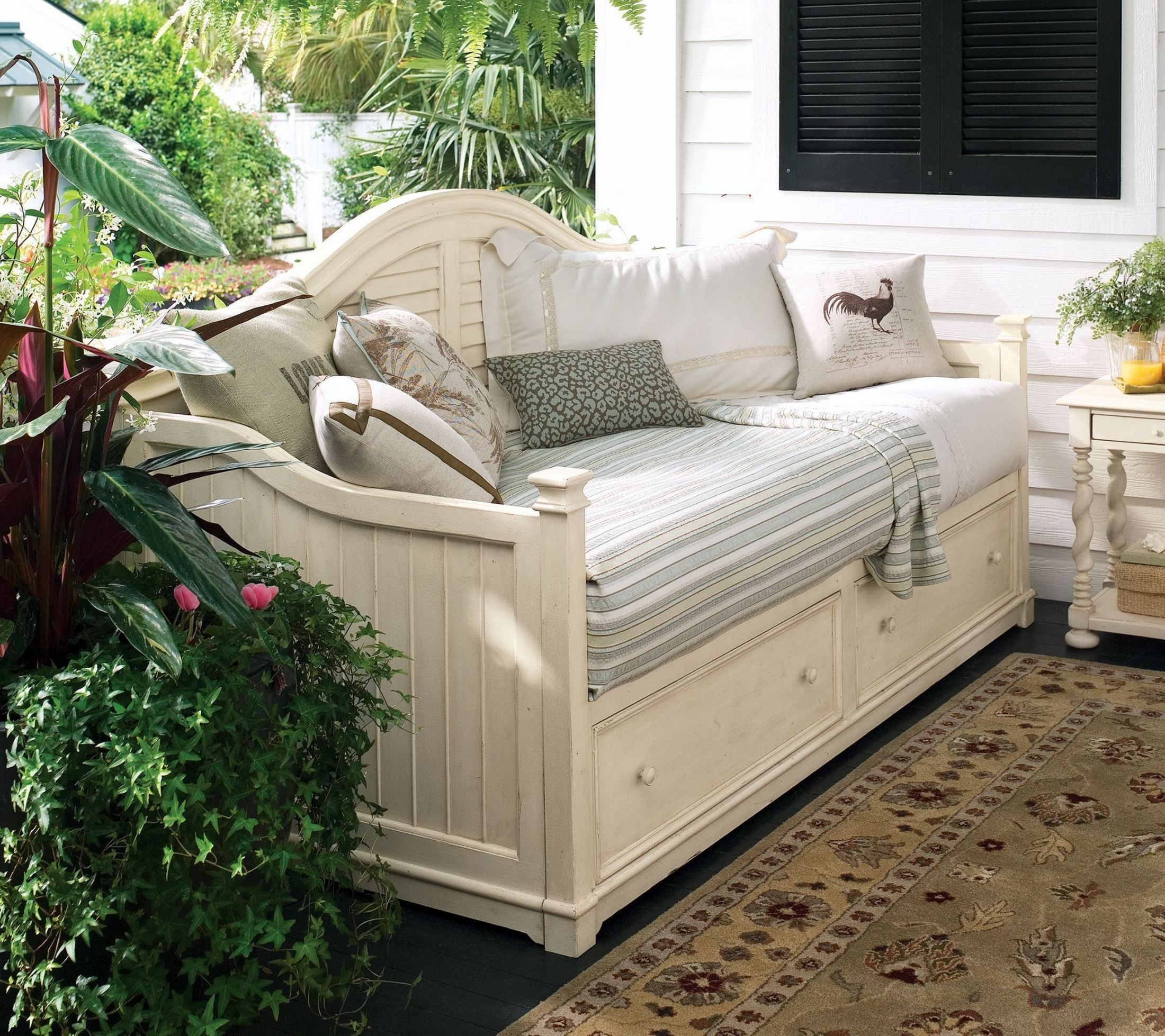 The well kept home eleanor daybed