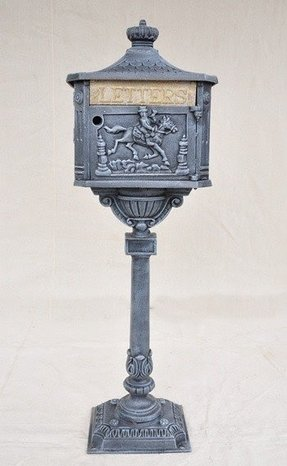Cast aluminum mailbox post 2