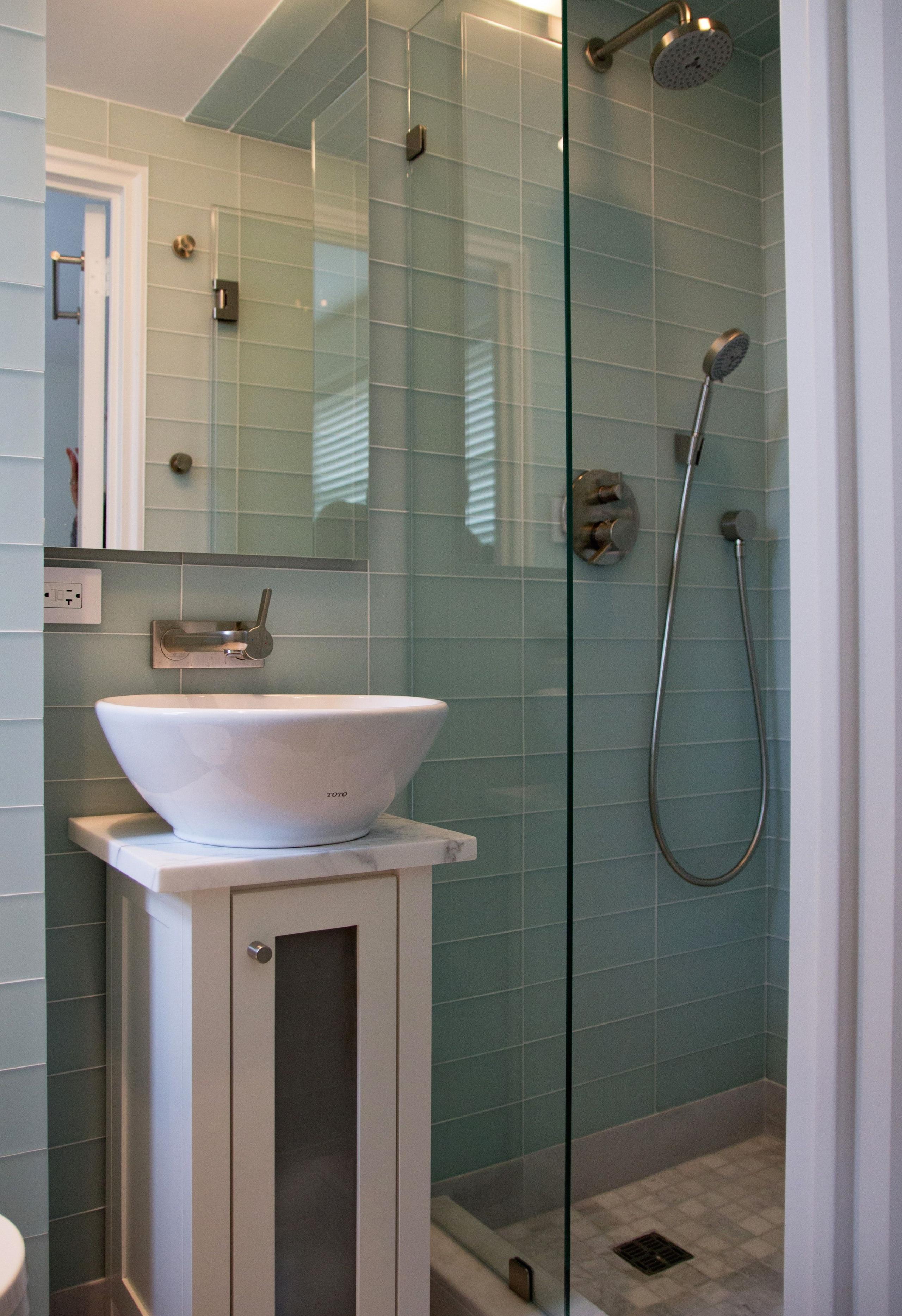 Contemporary Pedestal Sinks 14