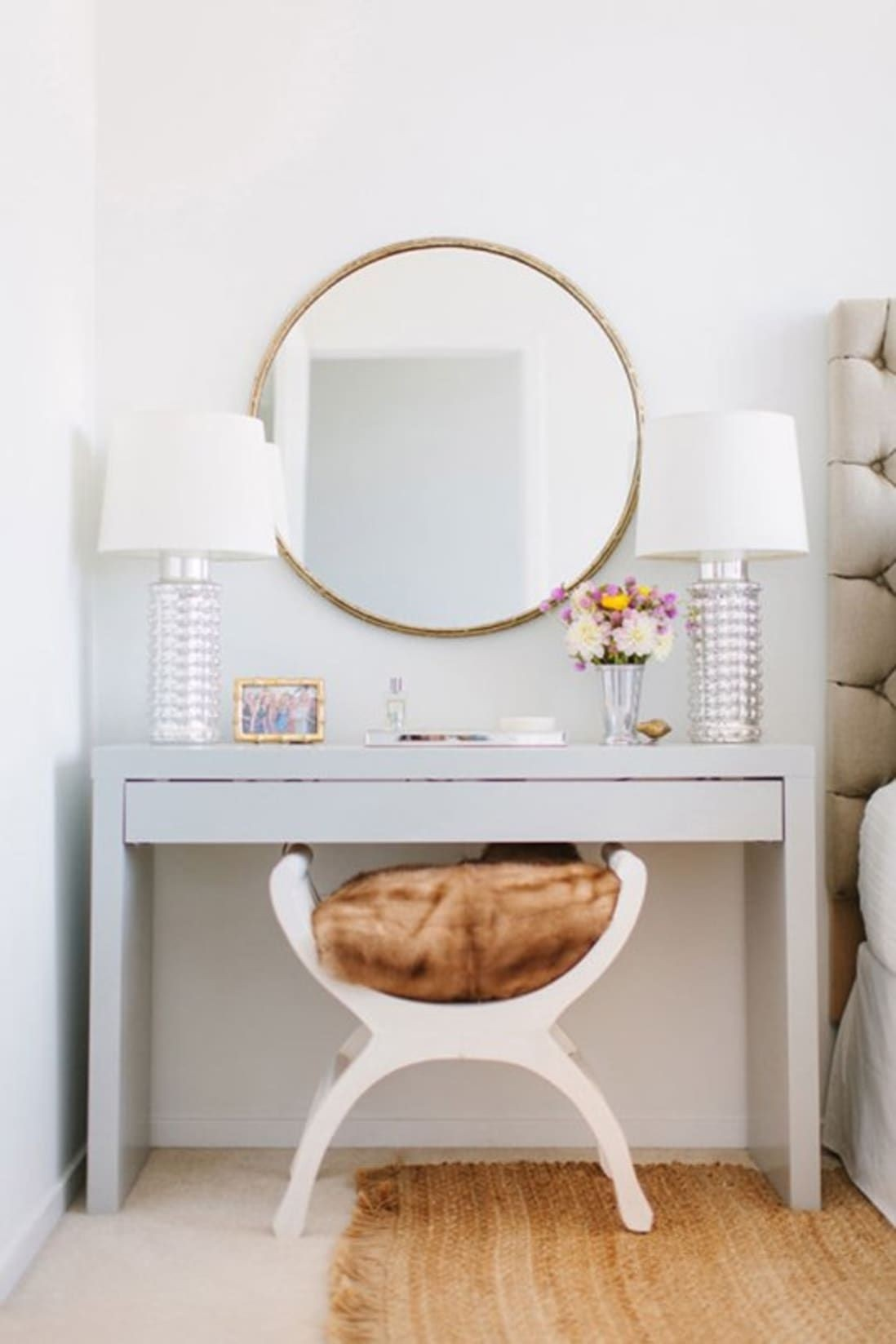 Bon Modern Makeup Vanity Table   Ideas On Foter