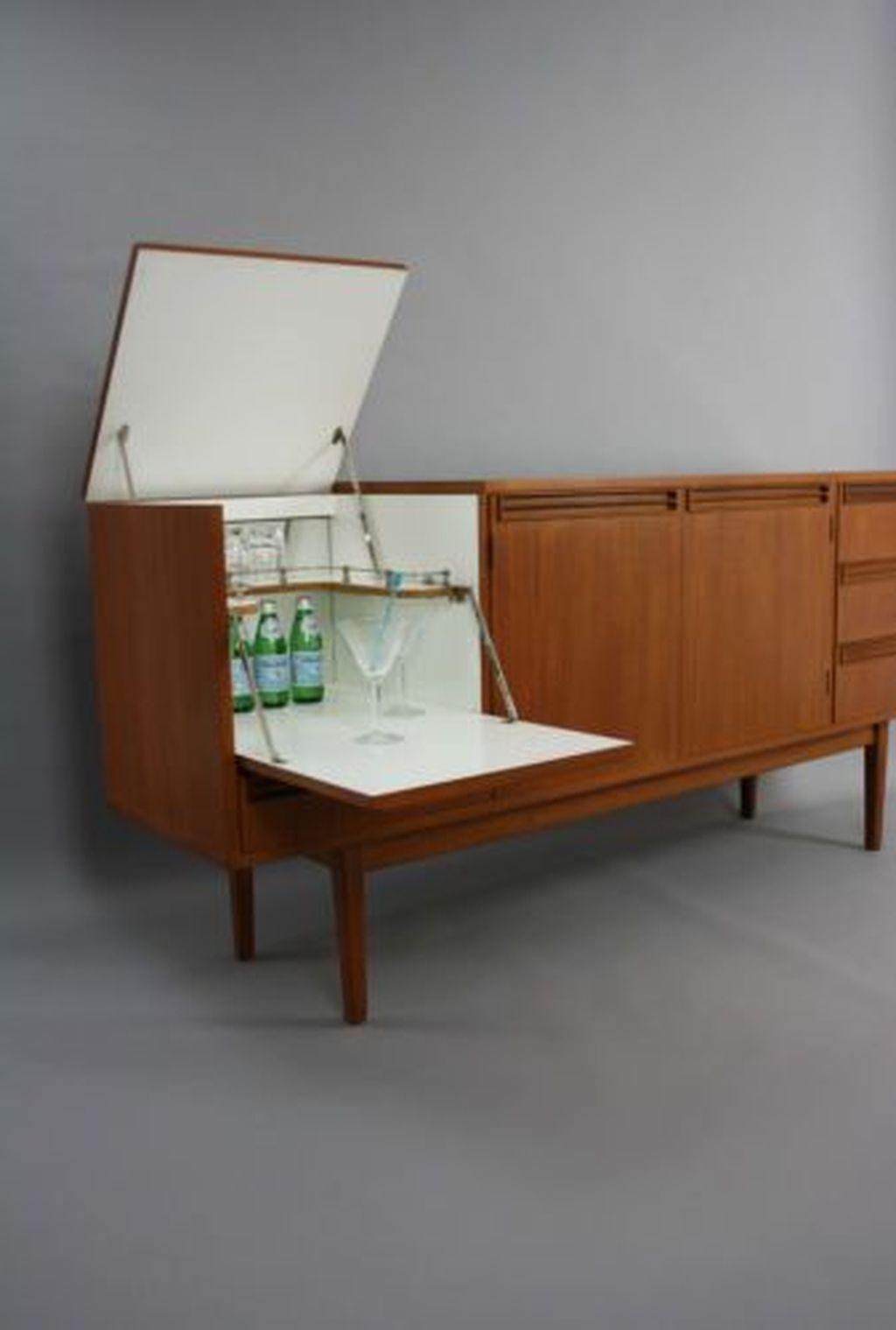 Stunning Sideboard Cocktail Cabinet Bar Drawers Vintage Retro Danish Parker Era