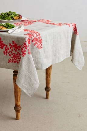 Embroidered table linens 5