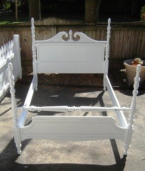 Vintage Full Size Four Poster Bed White