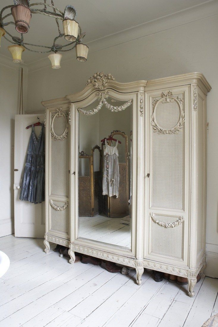 Merveilleux Armoire With Mirrored Front