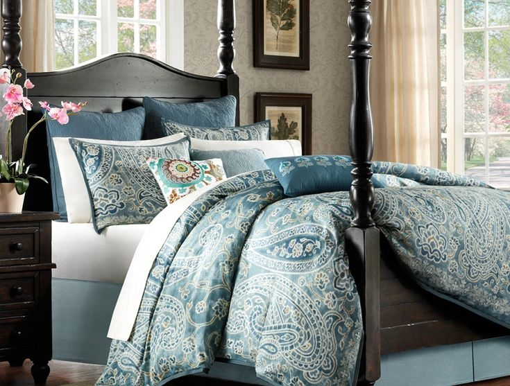 Blue green paisley bedding