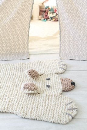 Giraffe print rug for nursery