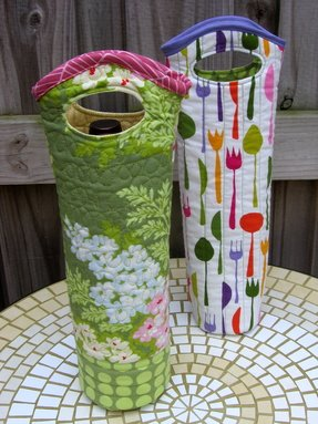 Insulated wine bottle carrier 1