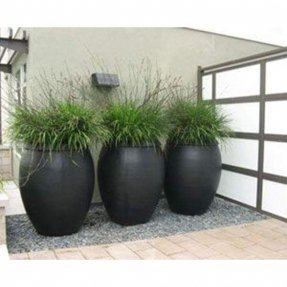 Large black planter 3