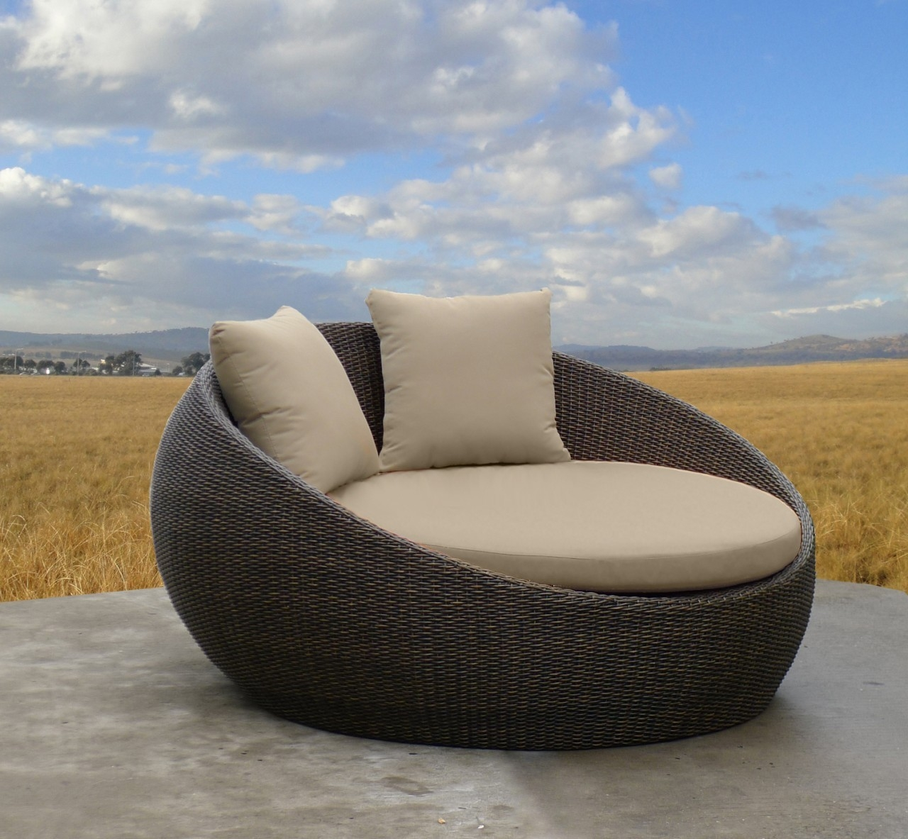 Newport Outdoor Wicker Day Bed United House Furniture