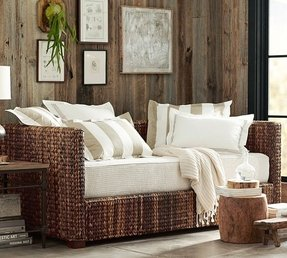 Seagrass day bed trundle
