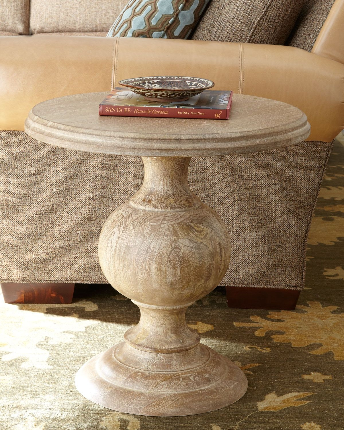 Ordinaire Wood Pedestal Side Table