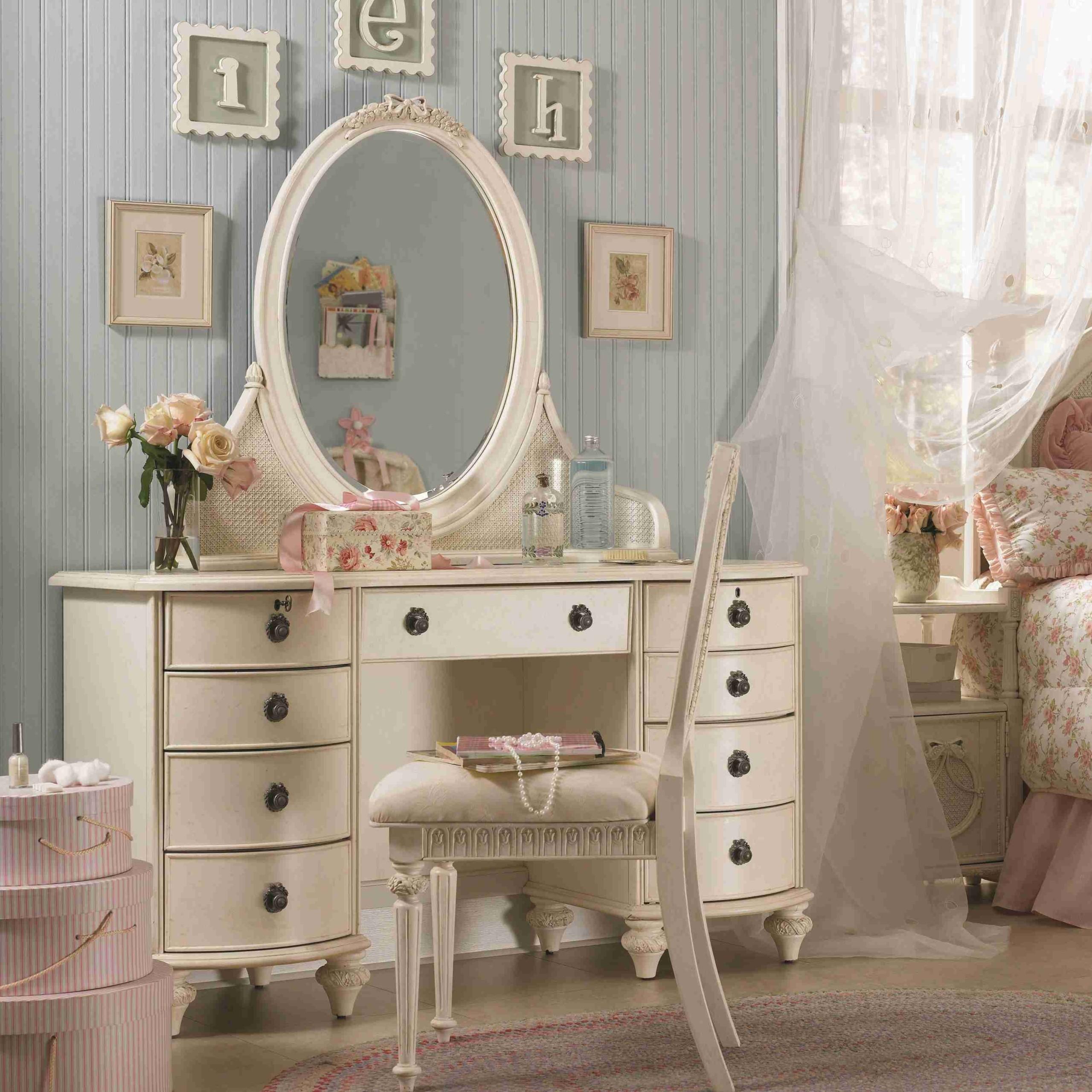 Contemporary Bedroom Vanity Sets 1