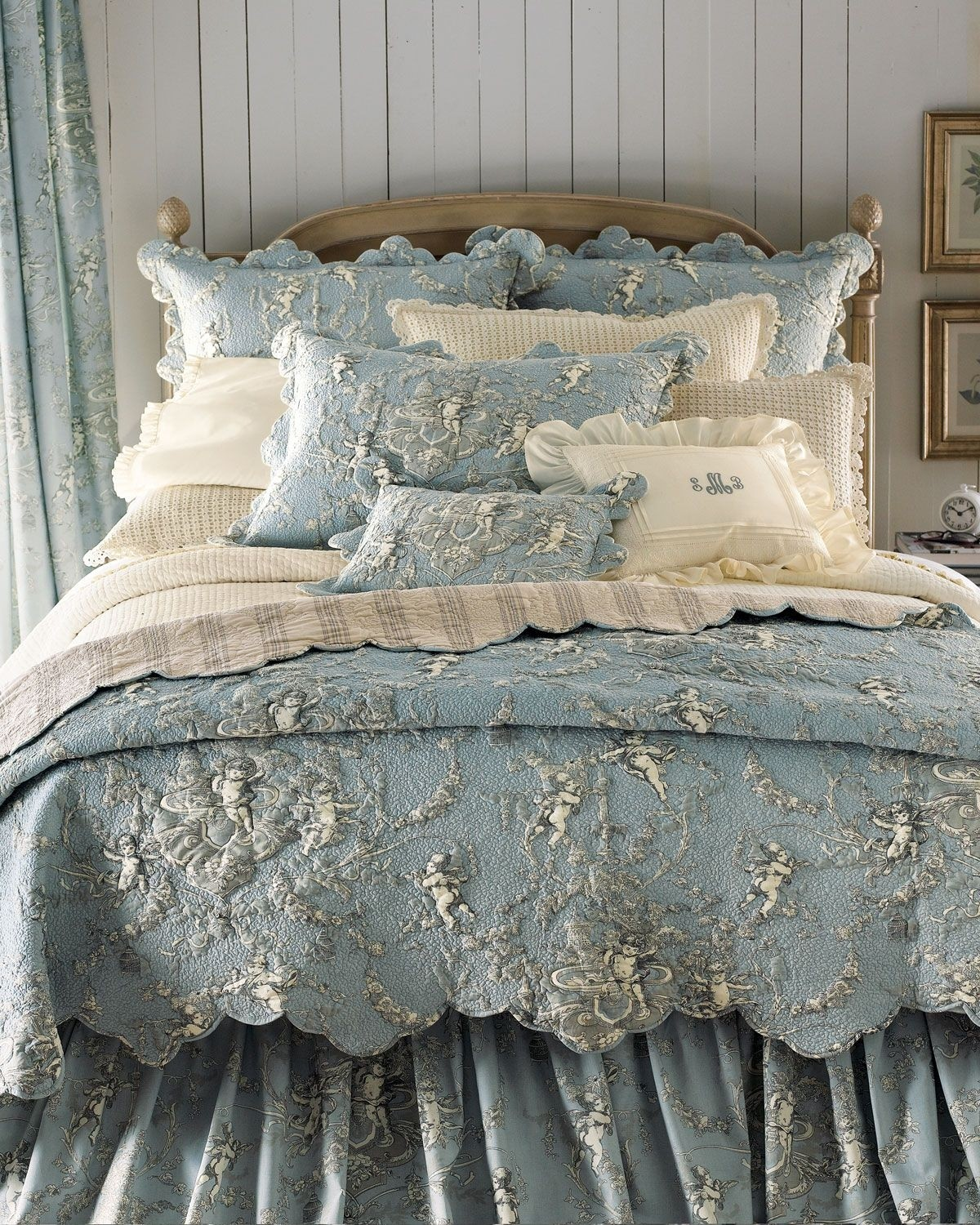set bedding sale for brighton lismore quilt white and williamsburg toile quilts by red sets