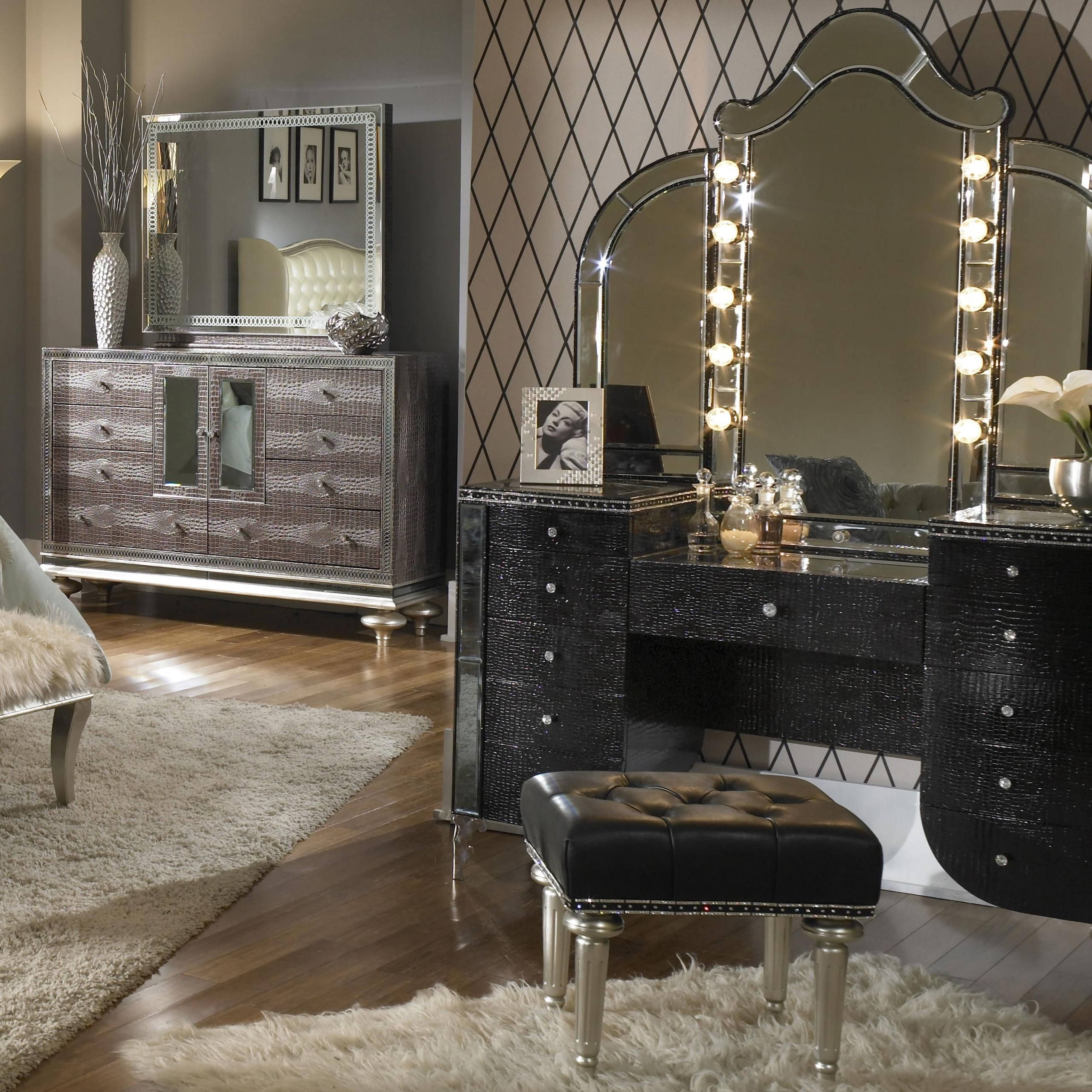 Incroyable Bedroom Vanity Sets With Lights