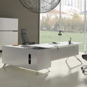 Executive desk with return 18