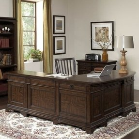 Executive desk with return 3