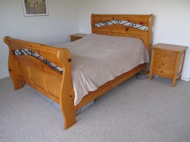 Metal And Wood Bedroom Furniture