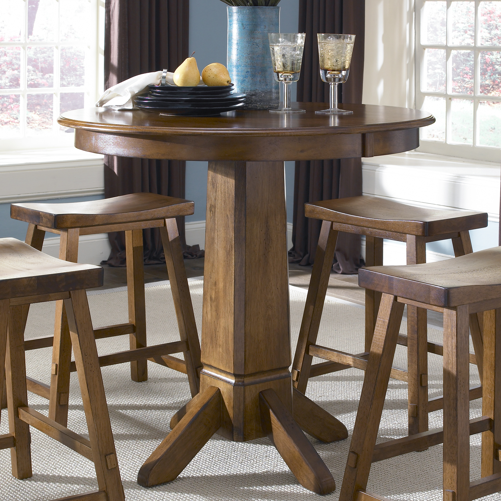 Superbe Tall Pub Table And Chairs