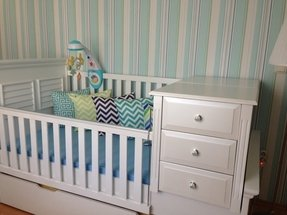 Crib with storage drawer 1