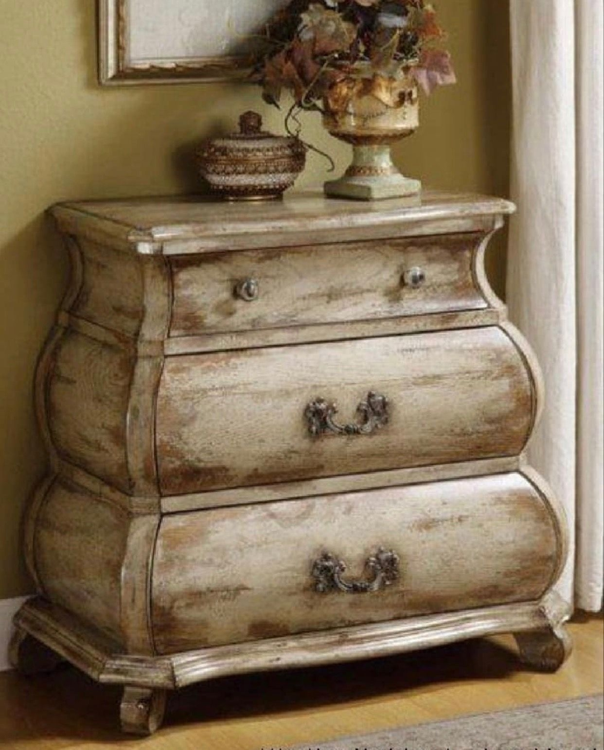 Distressed White Bedroom Furniture 1