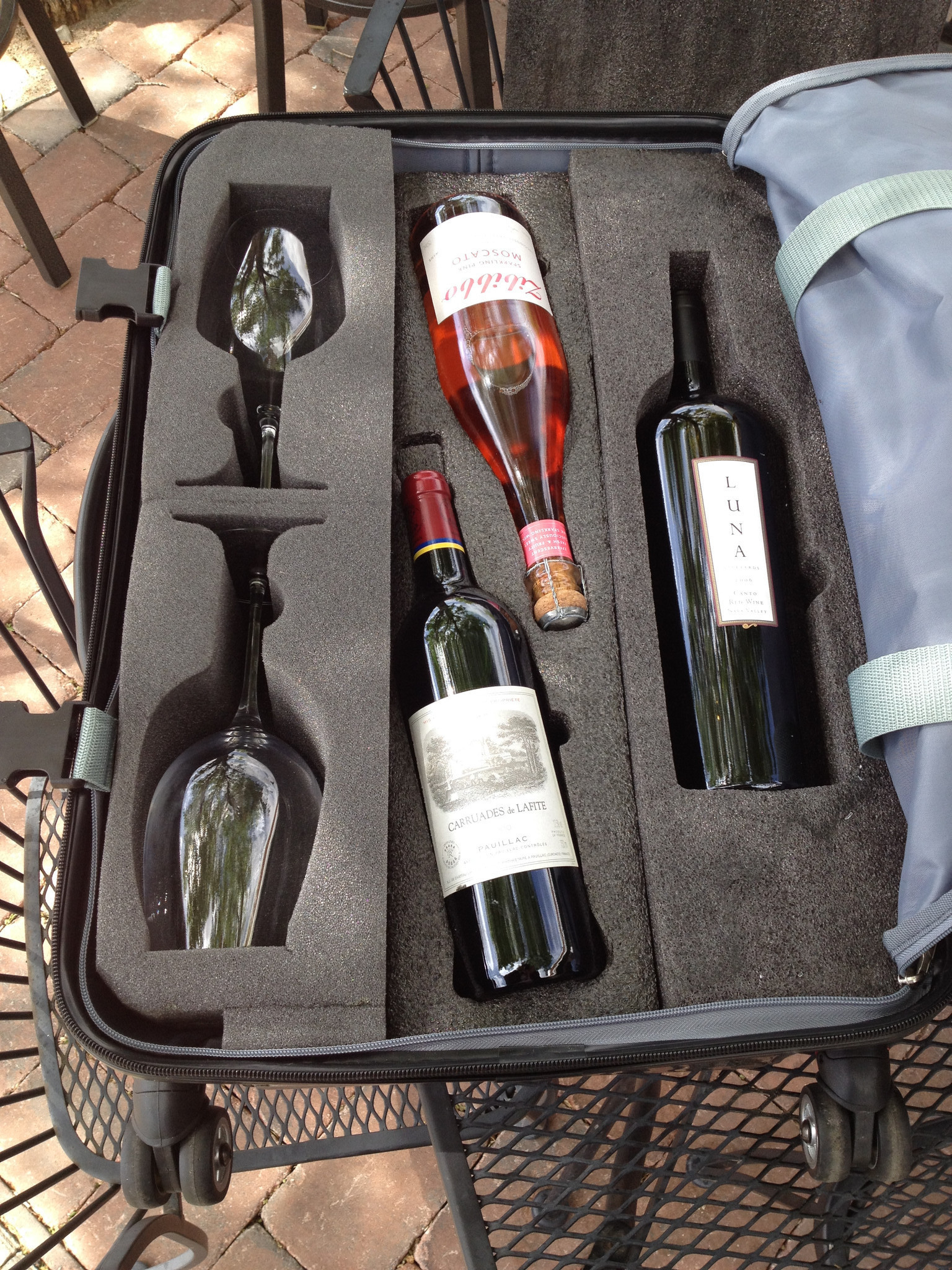 Wine carrying cases 35