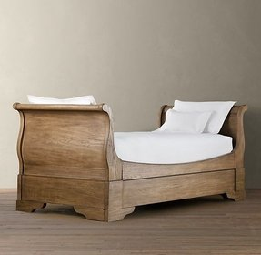 Oak daybed with trundle
