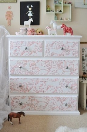 Baby girl chest of drawers