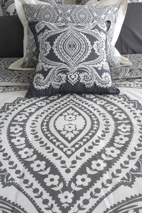 Gray paisley bedding 1