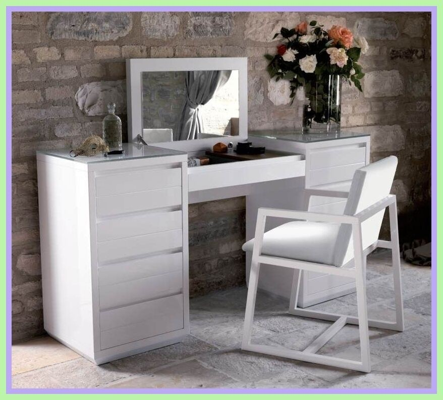 Beautiful Makeup Vanity Table With Lighted Mirror. Modern Dressing Table