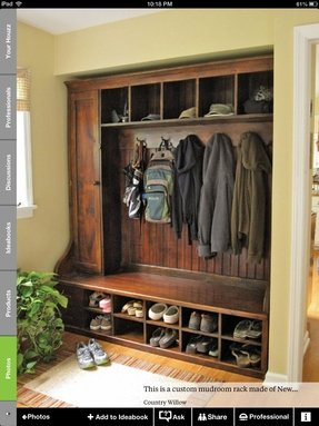 Shoe cubby with doors