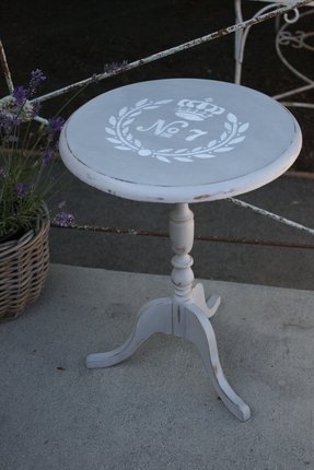 Small Pedestal Side Table Foter