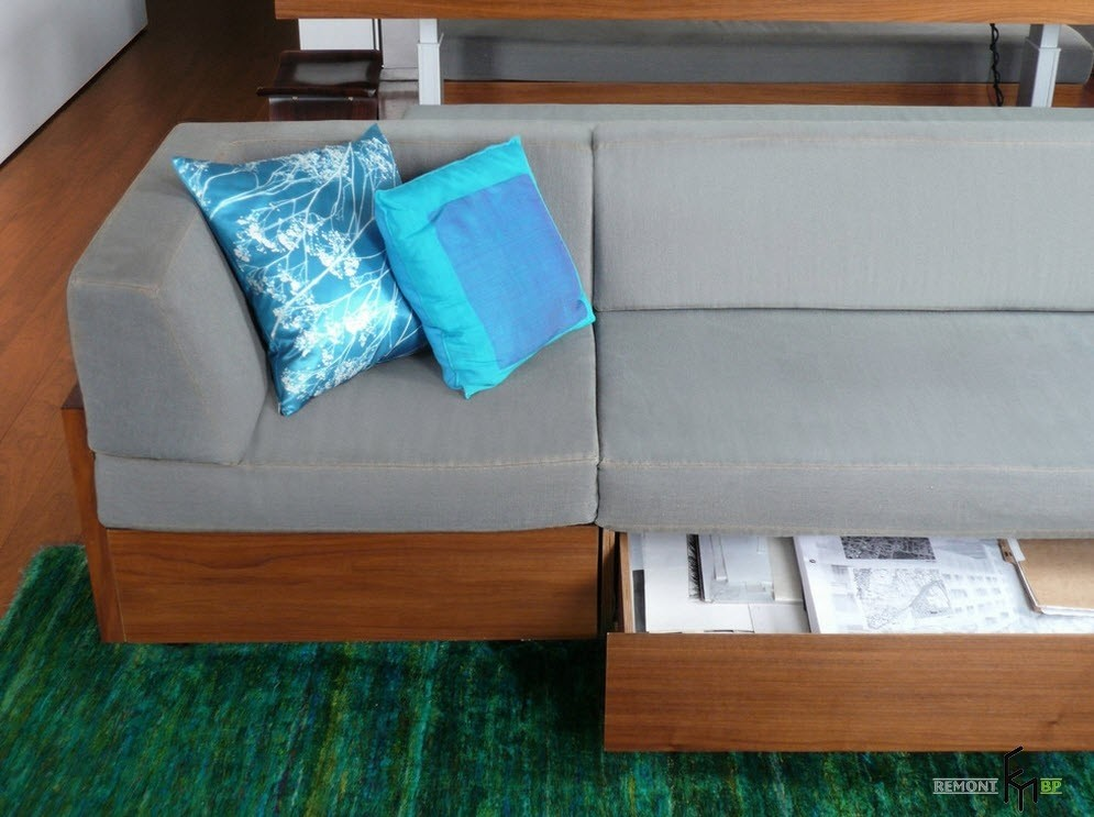 Etonnant Sofa With Storage Underneath